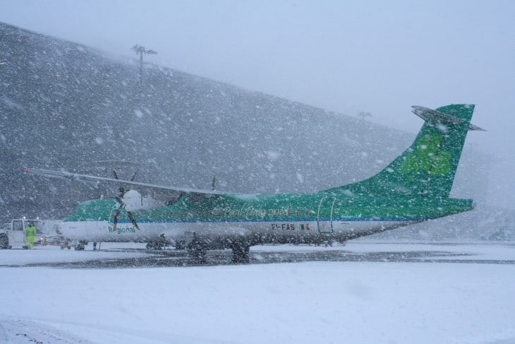 ATR72 600 Aer Lingus Regional in heavy snow