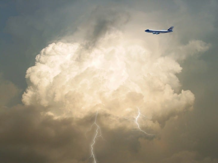 Boeing 747 Thunderstorm