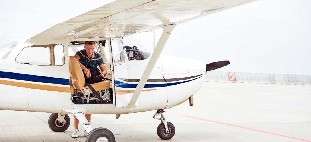 Cessna pilot and flight bag