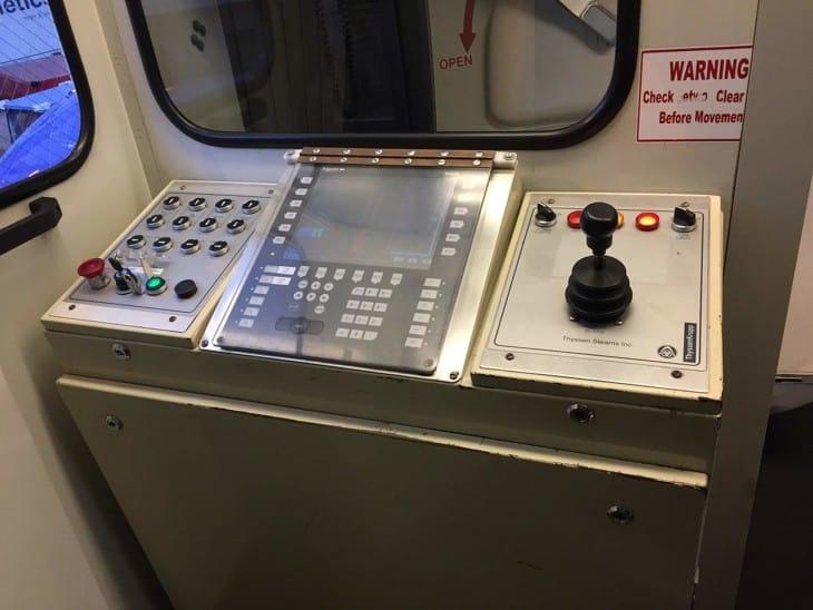 Jet bridge control panel