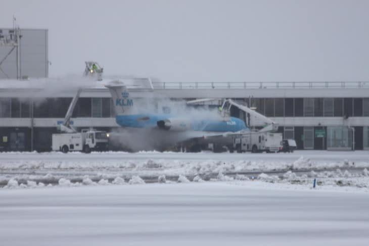 Snow clearing and De icing at Cardiff Airport