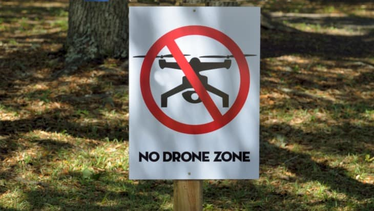 no drone zone area sign