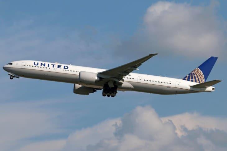 UNITED Boeing 777 300ER