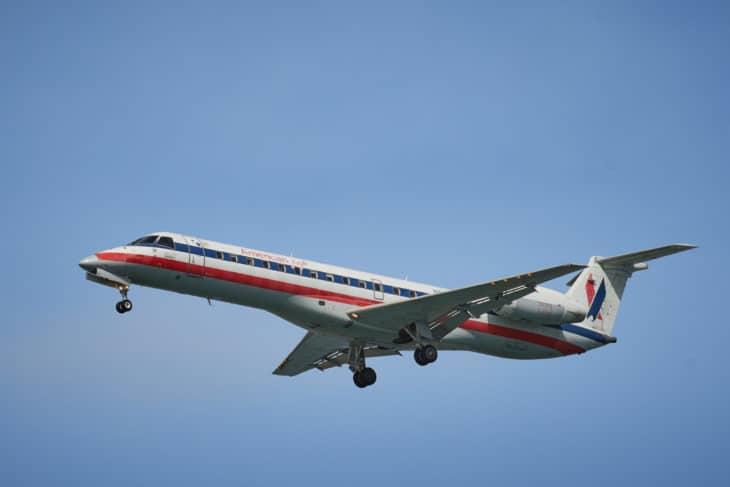 American Eagle Embraer ERJ 140