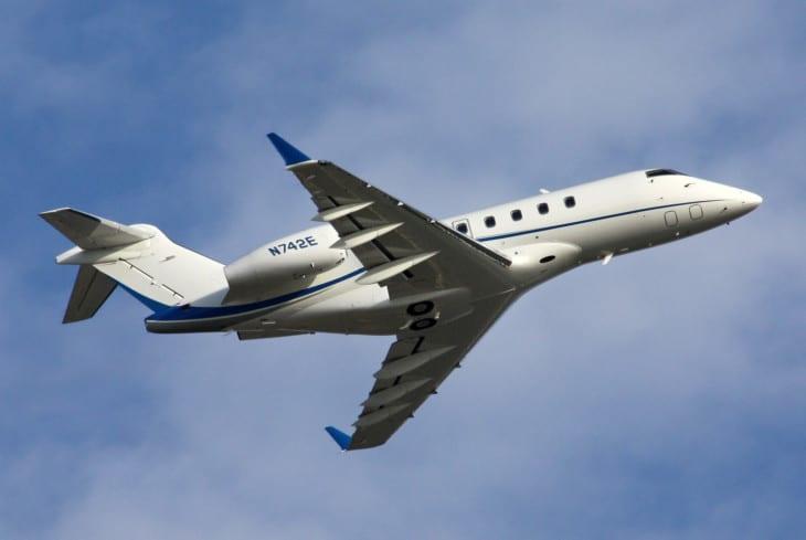 Bombardier Challenger 300 N742E