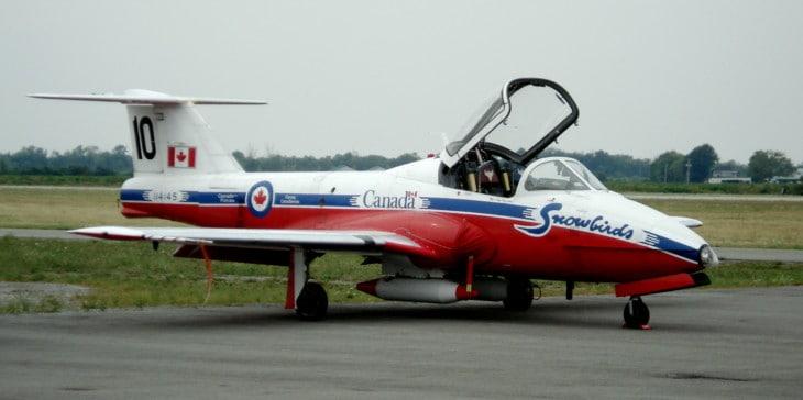 CT 114 Tutor 114145 of the Canadian Snowbirds aerobatics team.