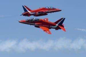 Synchro Pass RAF Red Arrows