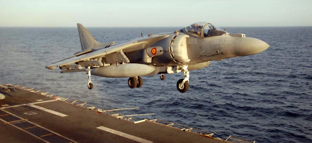 AV 8B Harrier landing aboard Principe de Asturias.