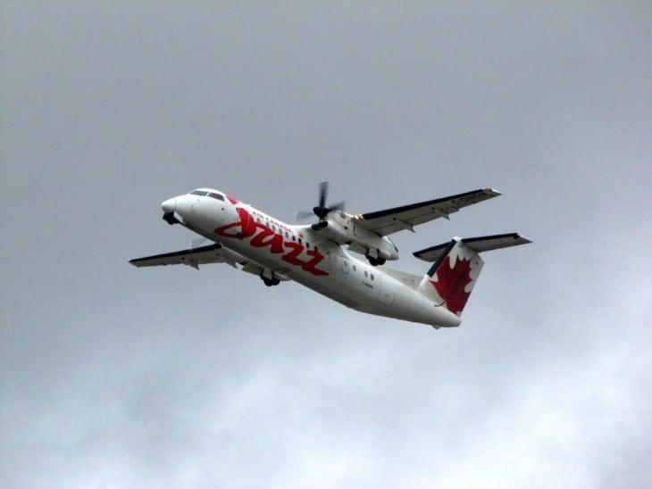 Jazz Bombardier Dash 8 Q300 C GNON