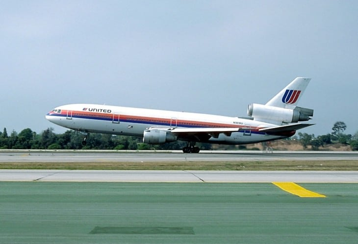 A McDonnell Douglas DC 10 10 similar to the accident aircraft.