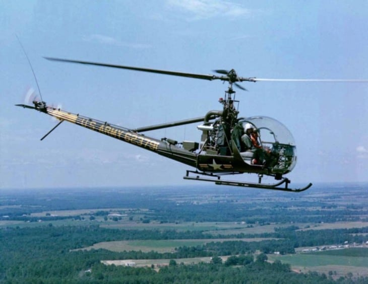 A U.S. Army Hiller OH 23G Raven helicopter in flight.