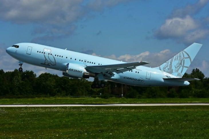 Air Drake Boeing B767 24Q ER N767CJ