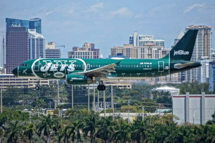 NY Jets N746JB