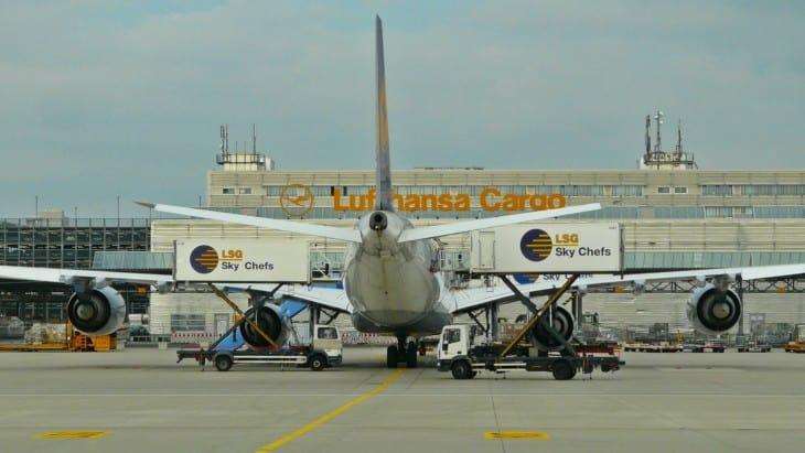 Lufthansa Airbus A340 642.