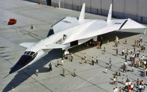 NAA XB-70 Valkyrie drawing crowds