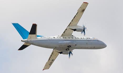 Antonov An-140 rolling