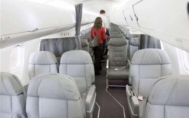 Bombardier CRJ 900 interior