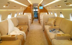 Bombardier Challenger 605 interior
