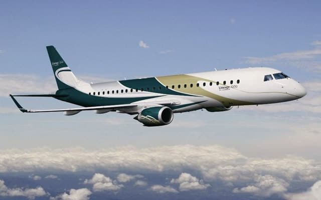 Embraer Lineage 1000 - Photo 2