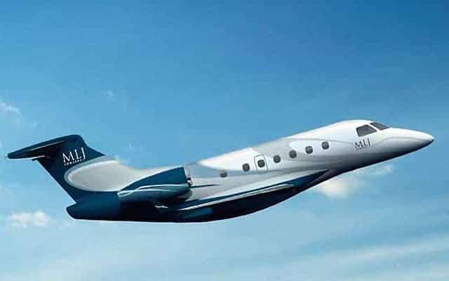 Embraer Legacy 450 gaining altitude