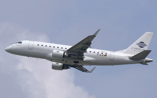 Embraer 170 flight