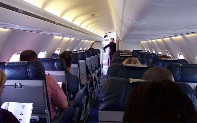 Embraer ERJ 145 interior